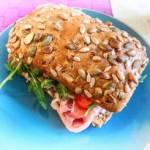 Pyszna kanapka z mozzarellą