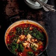 Zimowa zupa z jarmużem i fasolą