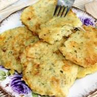 Bezglutenowe placuszki z płatków jaglanych z żółtym serem