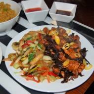 Kurczak z grzybami i warzywa – Wok