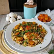 Roladki z kurczaka na brązowym ryżu w ostrym sosie