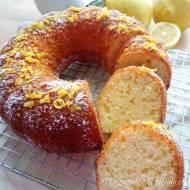 Cytrynowa babka z mascarpone (Ciambellone al limone e mascarpone)
