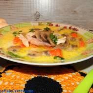 Jesienna zupa pieczarkowa z kurczakiem