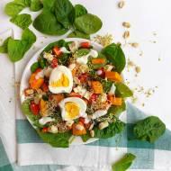 Jak przygotować perfekcyjną sałatkę! Przepis na sałatkę z batatem, jajkiem i tofu