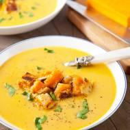 Zupa krem z grzankami serowymi. Zrobisz raz dwa! [PRZEPIS]