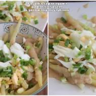 Fasolka szparagowa z sosem i gotowanymi jajkami