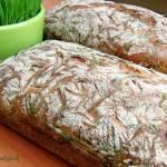 Chleb pszenno-żytni z tartym jabłkiem i zielonym owsem