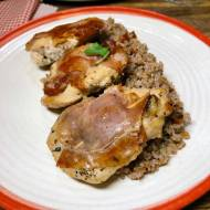Czwartek: Kurczak saltimbocca z kaszą orkiszową
