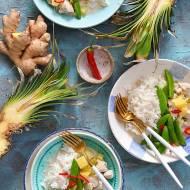 Indyk w sosie z mleczka kokosowego, z anansem, groszkiem cukrowym i chilli. Najlepszy patent na szybki obiad!