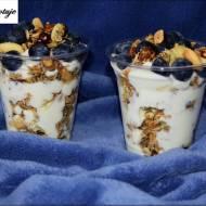 Jogurt z Granolą i Owocami