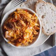 Mięsny bigos z grzybami / Meaty cabbage stew with mushrooms