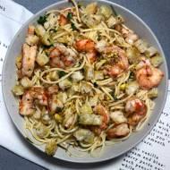 Piątek: Spaghetti z krewetkami, grzankami i pistacjami