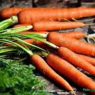 Zdrowa surówka z marchewki i chrzanu.