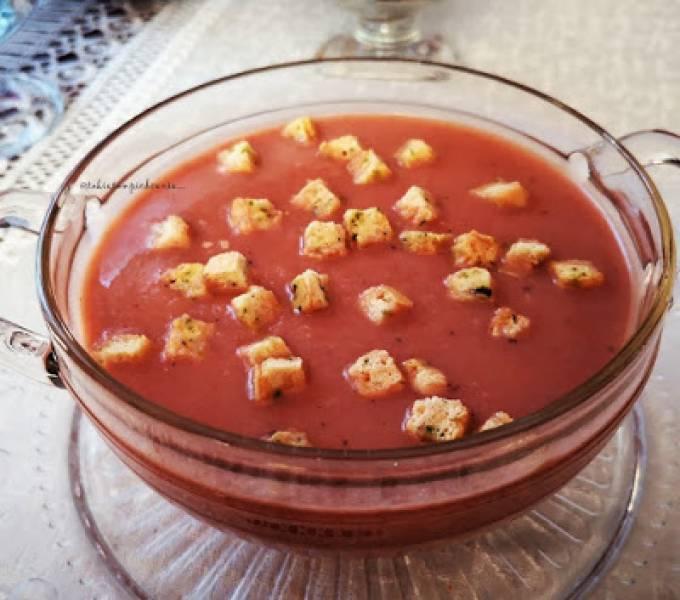Zupa krem z fioletowych batatów