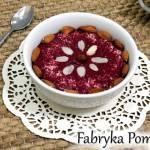 Smoothie bowl z burakiem, wiśniami i jagodami