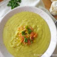 Zupa krem porowo-ziemniaczana z wędzonym łososiem (Crema di porri e patate con salmone affumicato)