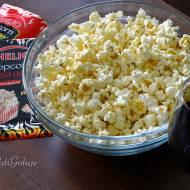 Popcorny Helio i wieczór z serialami