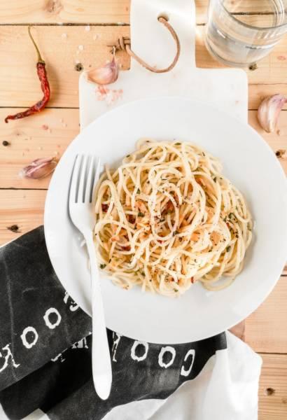 Spaghetti aglio, olio e peperoncino / Makaron z czosnkiem, oliwą i chili