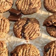 Ciasteczka jaglane z migdałami, rodzynkami i czekoladą (bez cukru i glutenu)