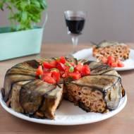 Zapiekanka makaronowa z bakłażanem i sosem pomidorowym