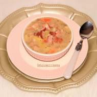 Zupa fasolowa z kiełbasą podwawelską i boczkiem