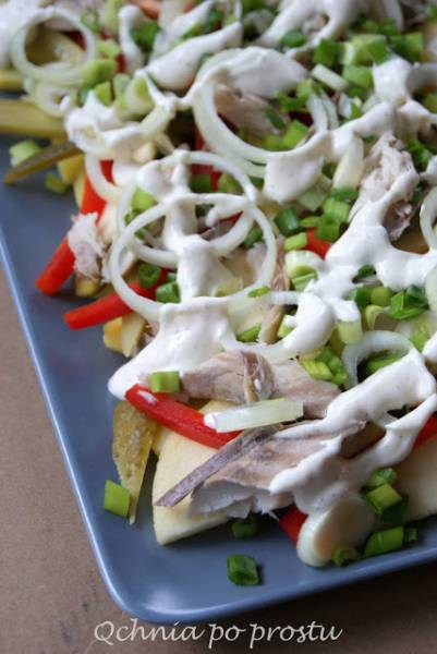 Sałatka z wędzoną makrelą i ziemniakami
