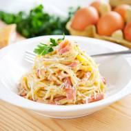 Prawdziwe spaghetti alla carbonara. Już nigdy nie dodasz śmietanki [PRZEPIS]