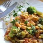 Leczo z pieczarkami, brokułem i makaronem ryżowym