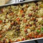 Zapiekanka ziemniaczana z kiełbasą i warzywami