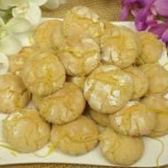 Ciastka cytrynowe - kruche i pyszne - przygotujesz je w 30 minut razem z pieczeniem