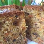 Zdrowo-walentynkowo, czyli ciasto marchewkowo-bananowo-orzechowe
