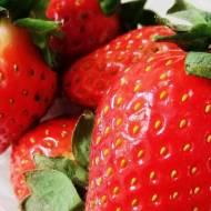 Walentynkowe smoothie z czerwonych owoców