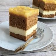 Ciasto miodowe z serem i gruszkami