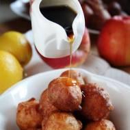 Mini pączki z jabłkiem