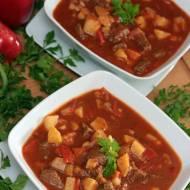 Zupa gulaszowa z wołowiną