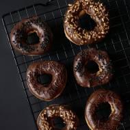 Donuts z ciasta parzonego w czekoladzie
