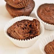 Pełnoziarniste babeczki czekoladowe z dodatkiem marchewki
