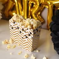 Popcorn z przyprawami i parmezanem