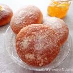 Pieczone pączki z marmoladą pomarańczową (Krapfen al forno con marmellata di arance)