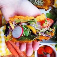 Marchewkowe Taco z wiosennymi dodatkami i guacamole