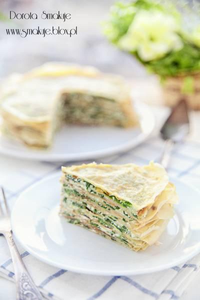 Tort naleśnikowy ze szpinakiem i kozim serem