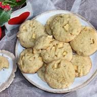 Migdałowe ciasteczka z kaszą manną i jabłkami