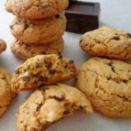 Ciasteczka z kawałkami czekolady (Cookies con gocce di cioccolato)