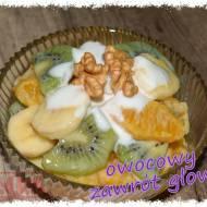 Sałatka owocowa z jogurtem naturalnym