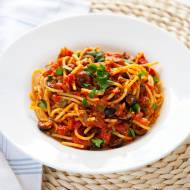 Nieprzyzwoicie pyszne spaghetti alla puttanesca. Przepis włoskich ladacznic