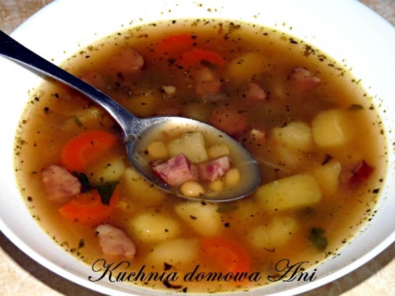 Przepis Na Zupa Grochowa Z Ziemniakami I Kielbasa Kuchnia Domowa