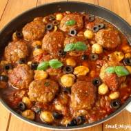 Pulpety w pieczarkowym sosie bazyliowo - pomidorowym