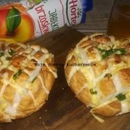 Bułeczki z serem zapiekane