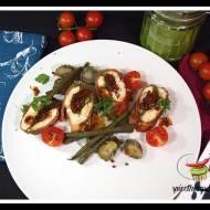 Pierś z kurczaka nadziewana pesto i suszonymi pomidorami