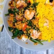 Środa: Sałatka z soczewicy, ryżu, krewetek i chorizo